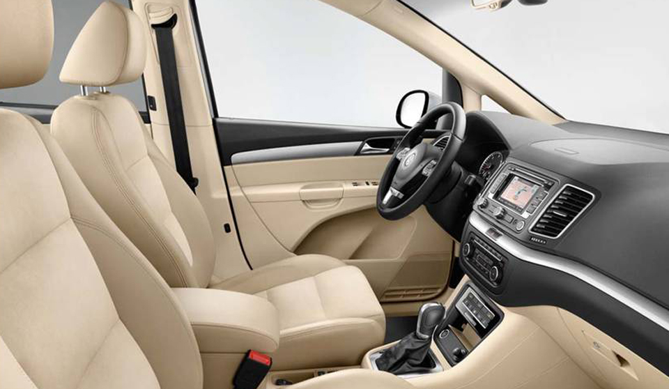 http://www.whichmobilitycar.co.uk/wp-content/uploads/2013/03/Volkswagen-Sharan-Motability-car-interior.jpg
