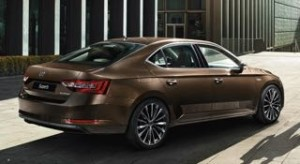 Skoda Superb Hatchback Motablity car side